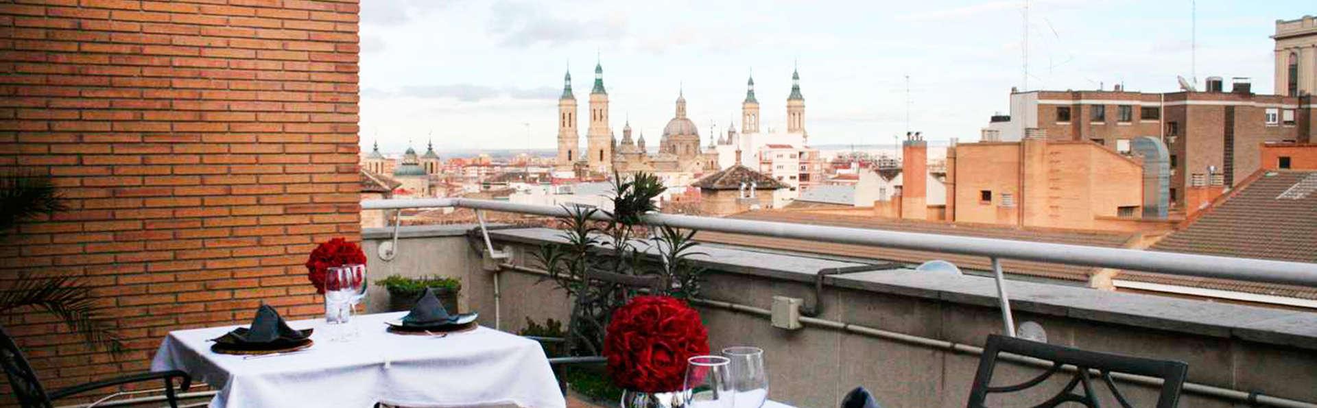 Évasion au cœur de Saragosse avec petit-déjeuner, cocktail sur la terrasse avec vue sur la basilique