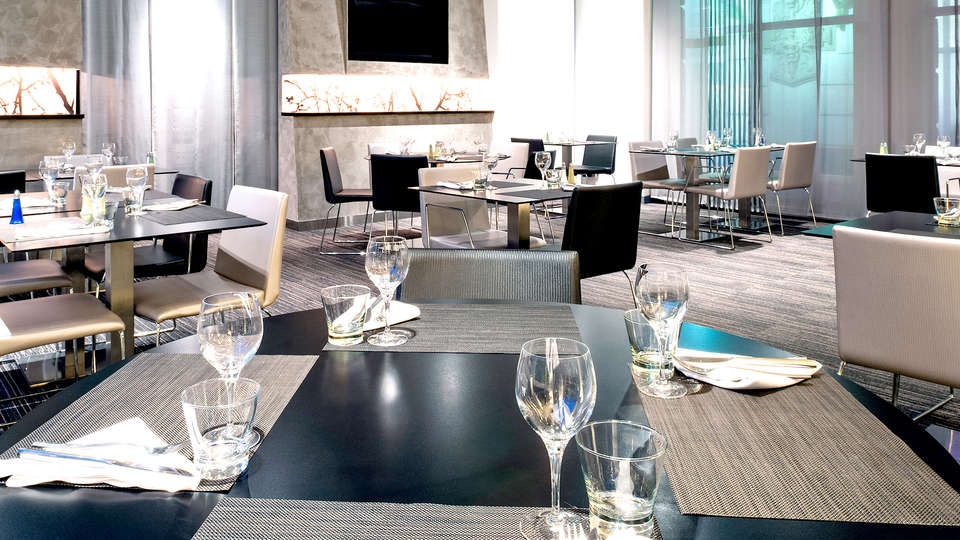 Novotel Lille Centre Grand Place - Edit_Restaurant.jpg