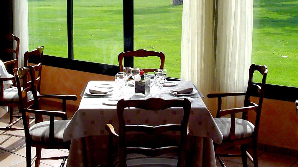 Aparthotel Villages Golf Panorámica Resort - Edit_Restaurant2.jpg