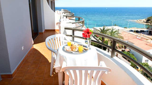 Disfruta de la costa mediterránea en familia con pensión completa