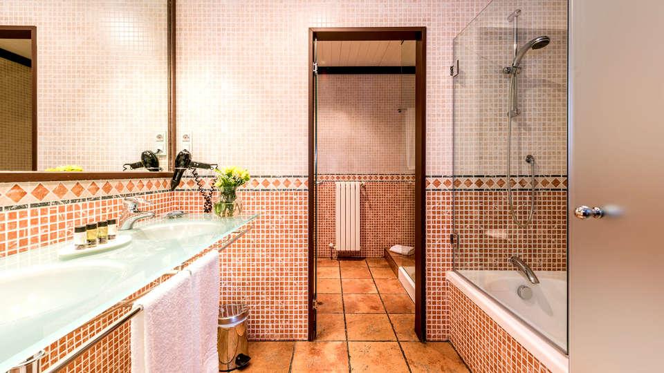 Hospes Palacio de San Esteban - EDIT_NEW_BATHROOM.jpg