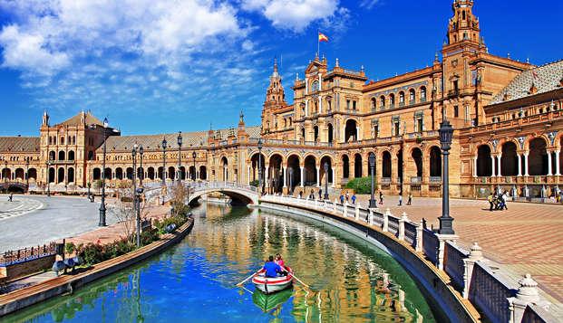 Escapada con desayuno incluido en pleno centro histórico de Sevilla