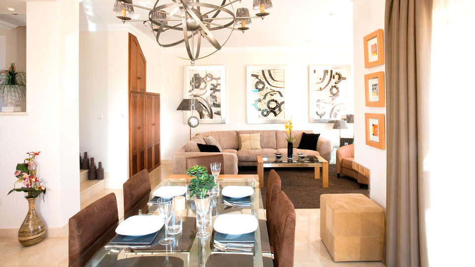 Arcos Gardens Sol Rent Golf - Edit_Apartment2.jpg