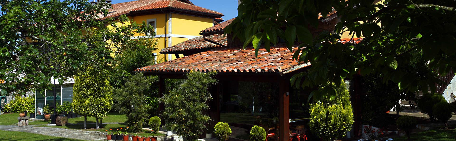 Arcea Hotel Mirador de la Franca - EDIT_Exterior1.jpg