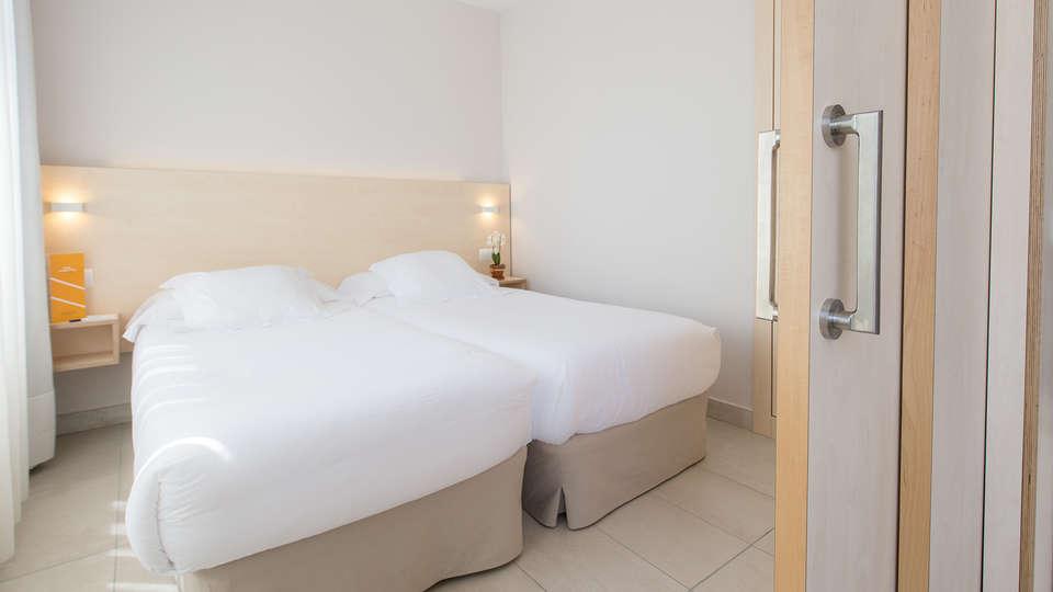 Atenea Park Suites & Apartments - Edit_Room4.jpg