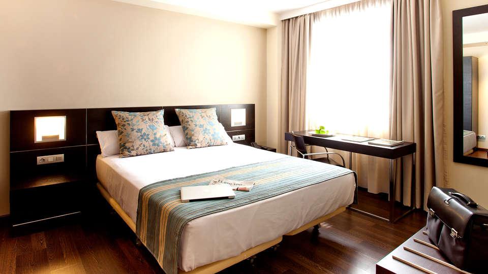 Aura Hotel Algeciras - Edit_Room2.jpg