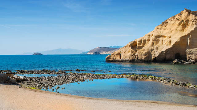 Escapada con cava a un paso del Mar en Almería (desde 2 noches)