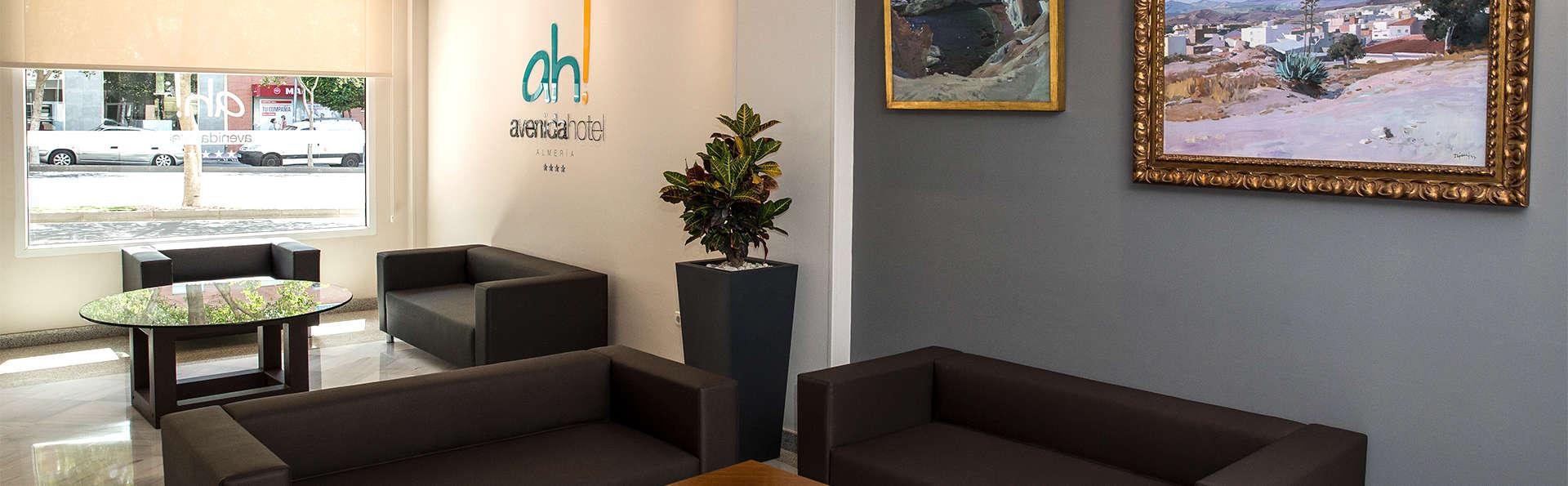 Avenida Hotel Almería - EDIT_Lobby1.jpg