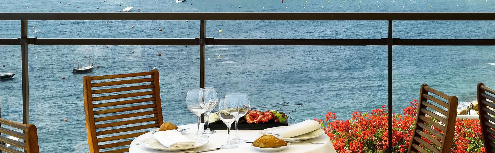 Escapada en pensión completa con vistas al Mediterráneo en la Costa Brava