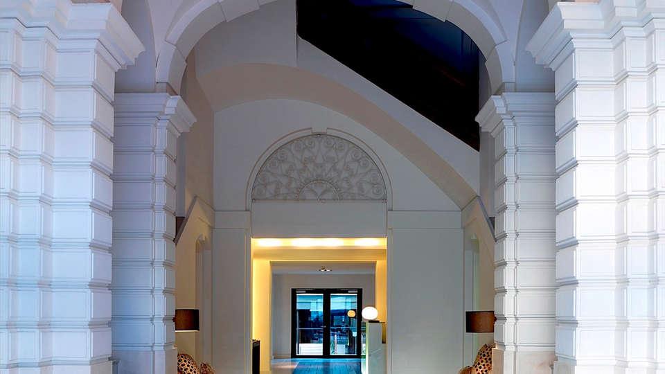 Hospes Palau de la Mar - EDIT_hall1.jpg