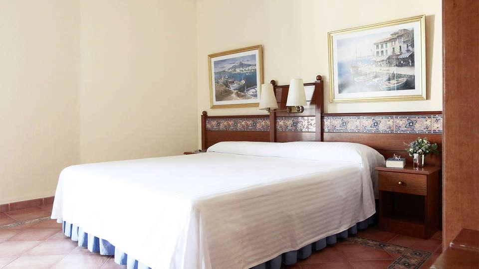 Prestige Coral Platja - EDIT_room3.jpg