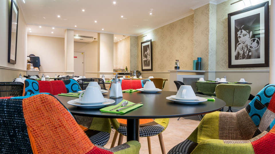 Hôtel Lodge du Centre - EDIT_breakfast.jpg