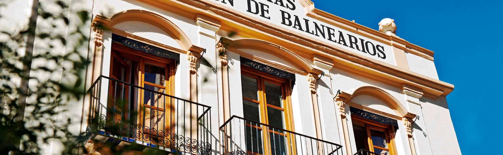 Balneario de Villavieja - EDIT_Facade.jpg