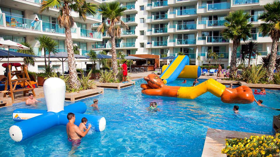 Blaumar Hotel - EDIT_Pool.jpg