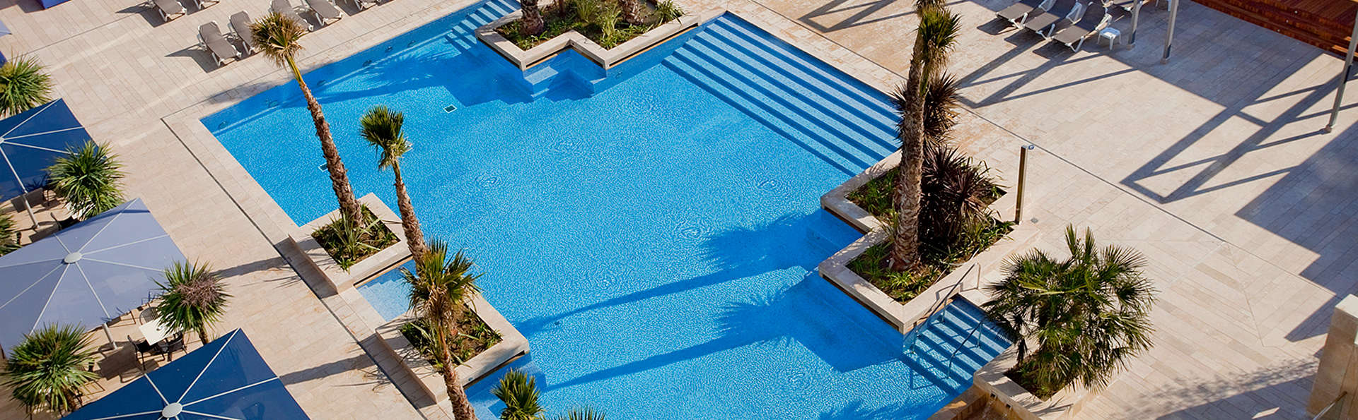 Blaumar Hotel - EDIT_Pool2.jpg