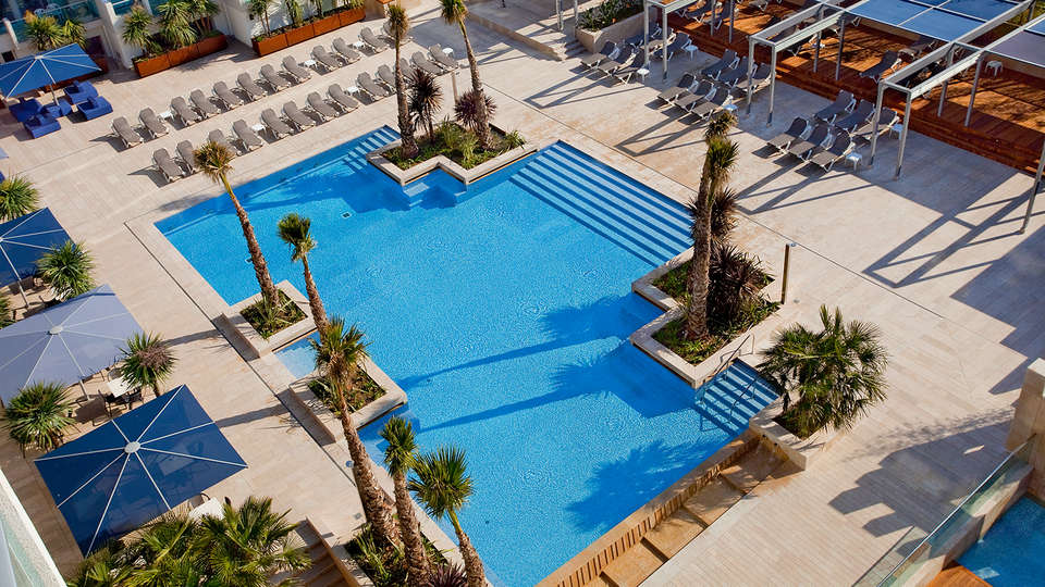 Blaumar Hotel - EDIT_Pool2.jpg
