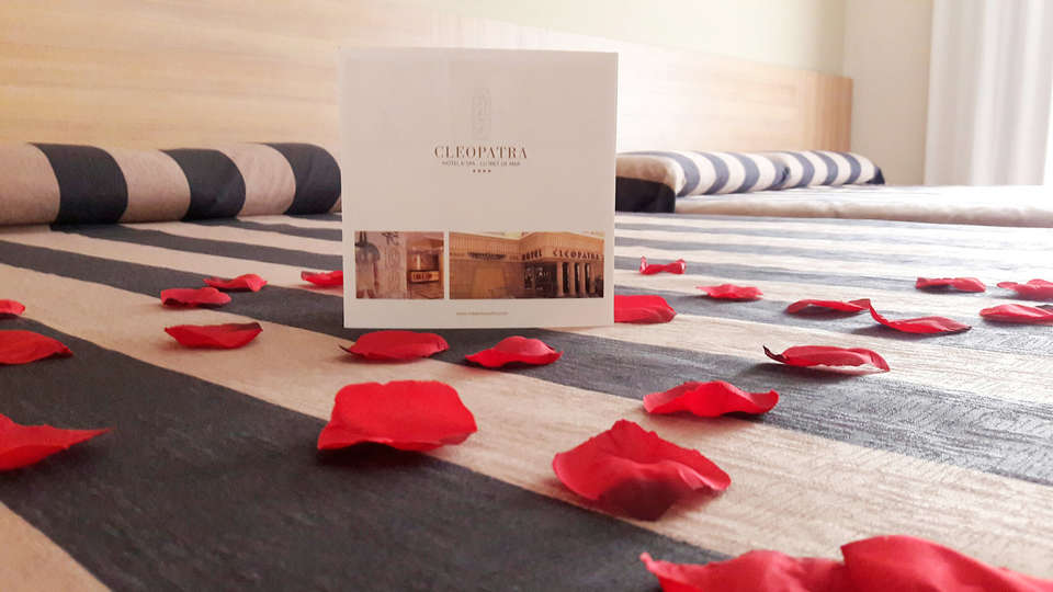 Hotel Cleopatra & Spa - EDIT_room.jpg
