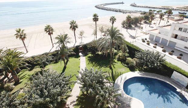 Profitez d'un séjour idéal en bord de mer avec demie pension et accès au spa inclus