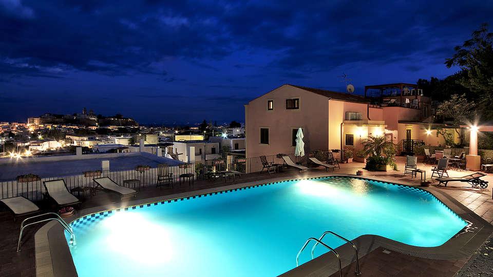 Hotel Villa de Pasquale - EDIT_NEW_pool.jpg