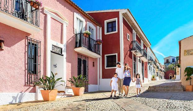 Logez dans un appartement moderne situé sur une falaise et découvrez la Costa Blanca