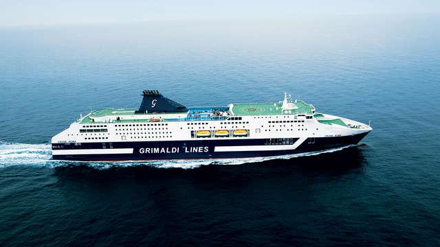 1 viaggio di ritorno in nave da Porto Torres a Civitavecchia (veicolo incluso)
