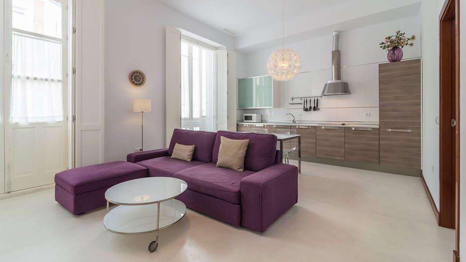 Casa Palacio Cádiz - EDIT_Room8.jpg