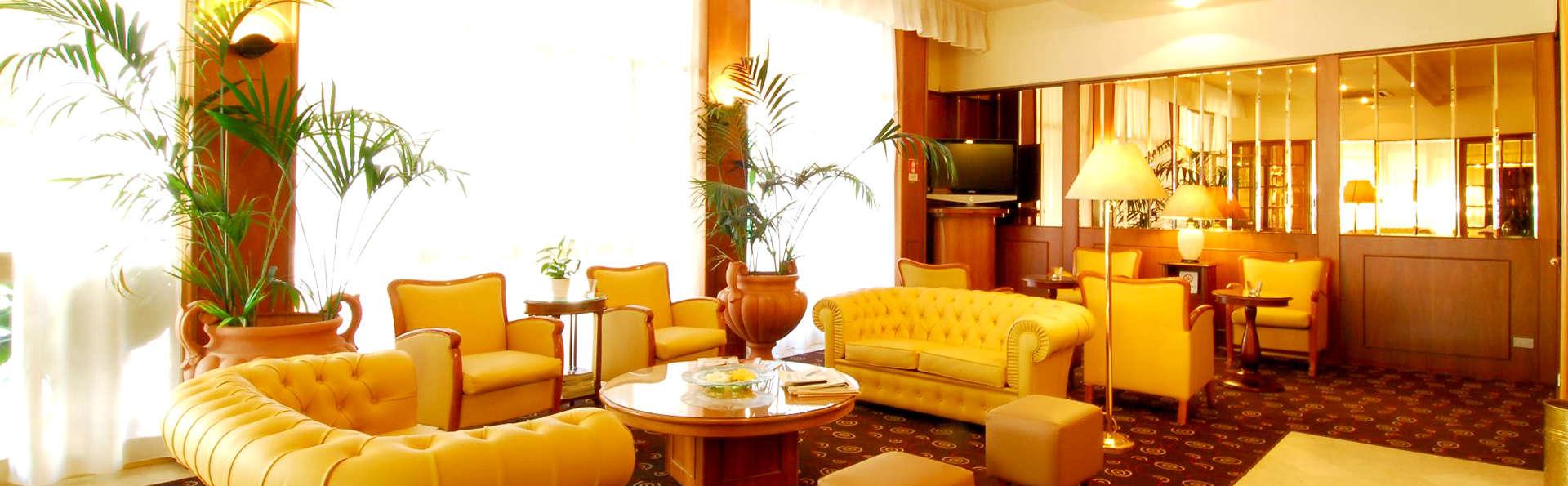 Hotel Perù Ambienthotels - Edit_Hall2.jpg