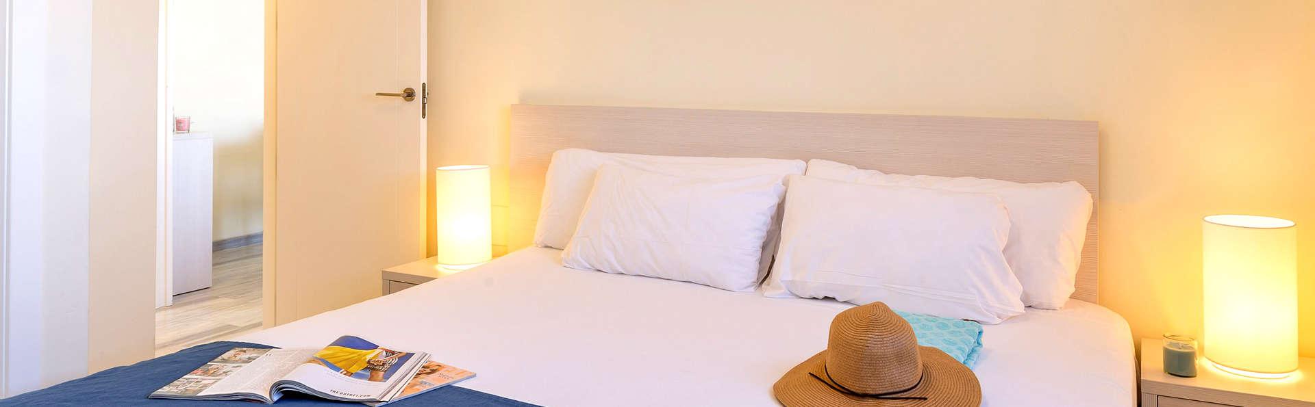 Pierre & Vacances Almería Roquetas de Mar - Edit_Room.jpg