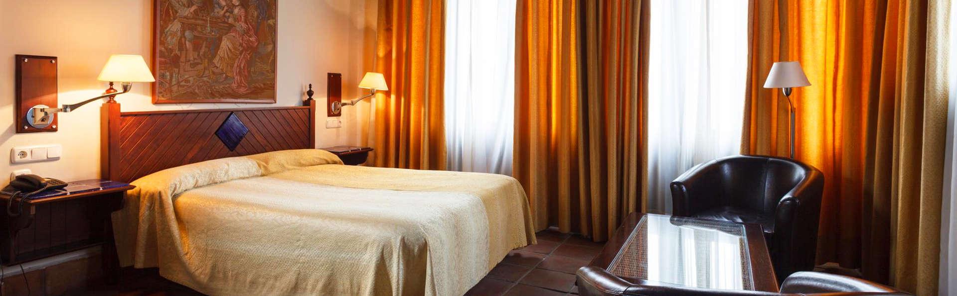 Casa Palacio Pilar del Toro - EDIT_Room6.jpg