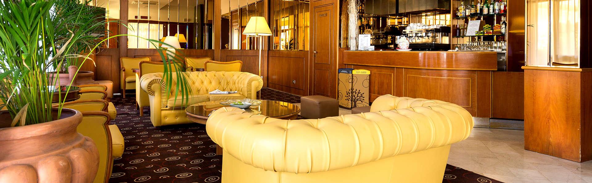Hotel Perù Ambienthotels - EDIT_NEW_HALL.jpg