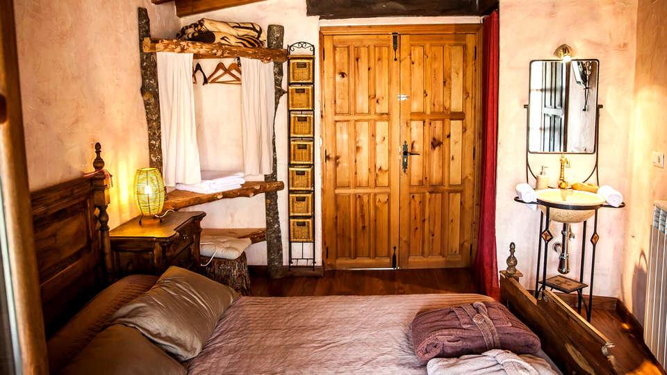 Casa Rural Orgullo Rural - Edit_Room8.jpg
