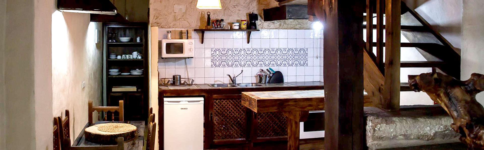 Casa Rural Orgullo Rural - Edit_Kitchen.jpg