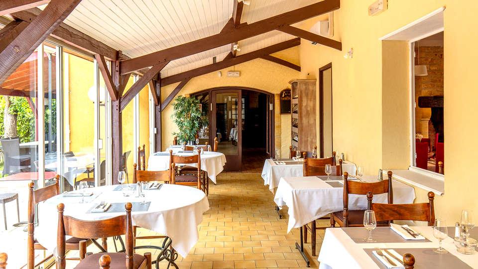 Le Domaine du Terroir - Edit_Restaurant4.jpg