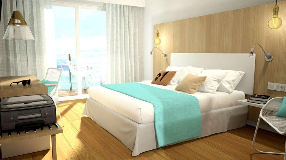 Hotel Monterrey Roses by Pierre & Vacances - Edit_Room3.jpg