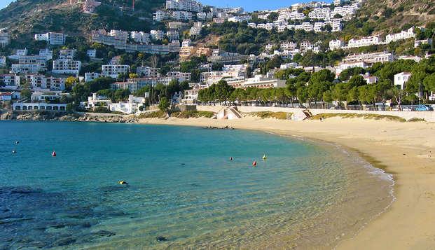 Découvrez la Costa Brava en séjournant à Roses à deux pas de la plage
