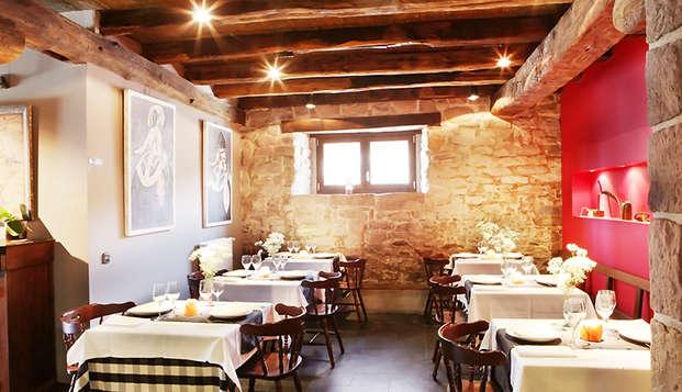 Gastronomía & Romanticismo: Escapada Romántica con Cena en el Valle de Ulzama