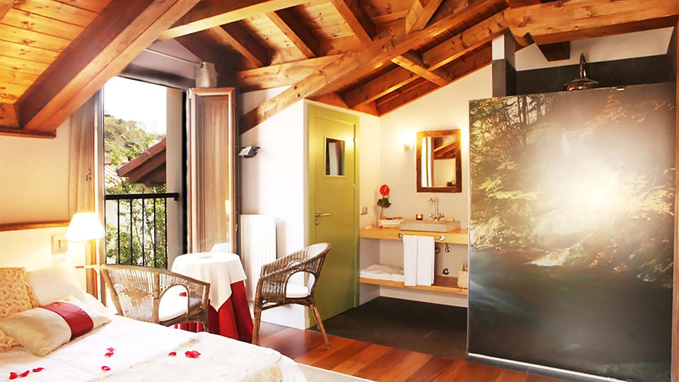 Hôtel Iribarnia, The Originals Relais (Relais du Silence) - EDIT_room4.jpg