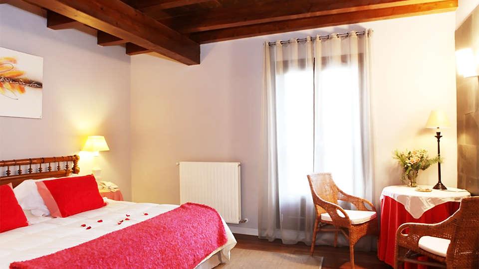Hôtel Iribarnia, The Originals Relais (Relais du Silence) - EDIT_room7.jpg