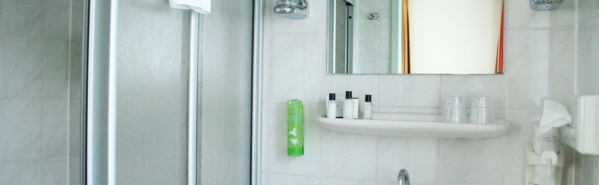 Princess Hotel Dorhout Mees - EDIT_NEW_bath.jpg
