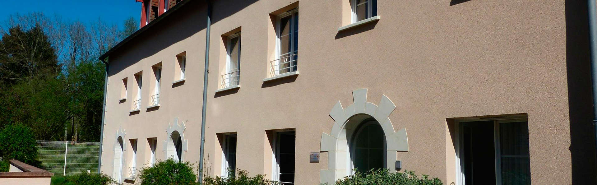 AppartHotel La Roche Posay - EDIT_front2.jpg