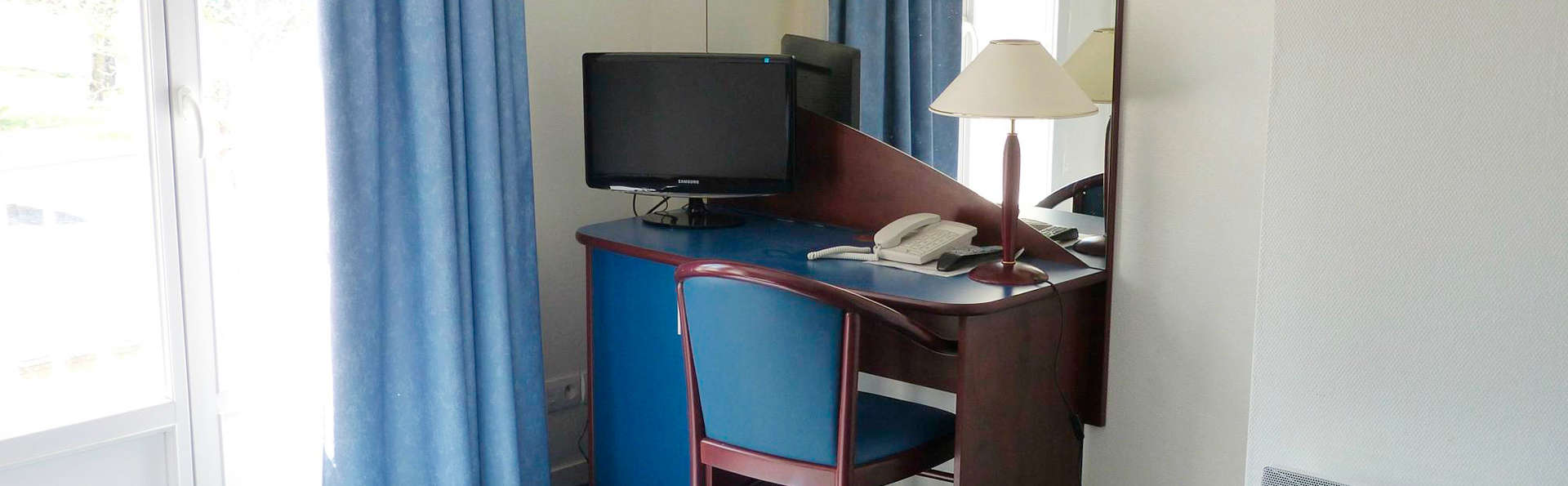 AppartHotel La Roche Posay - EDIT_room1.jpg