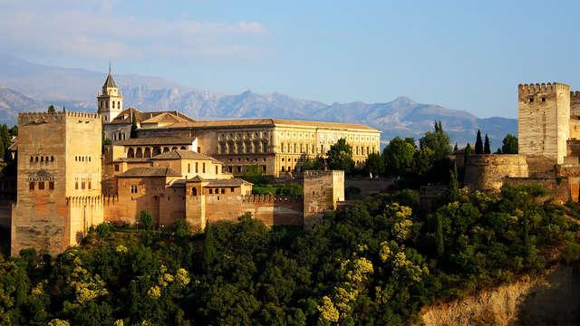 Escapada Gastronomica: descubre Granada con una cena y productos típicos (desde 2 noches)