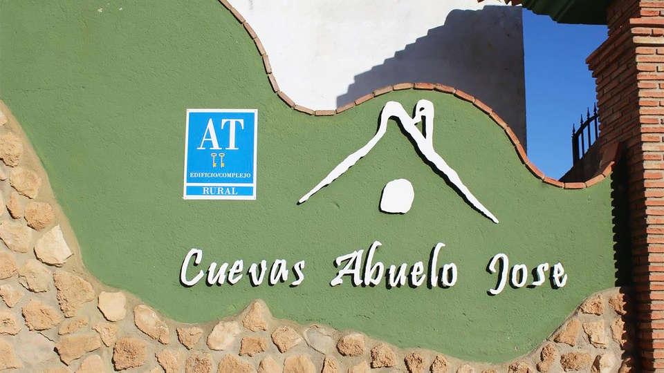Cuevas Hammam Abuelo José - EDIT_entrance1.jpg