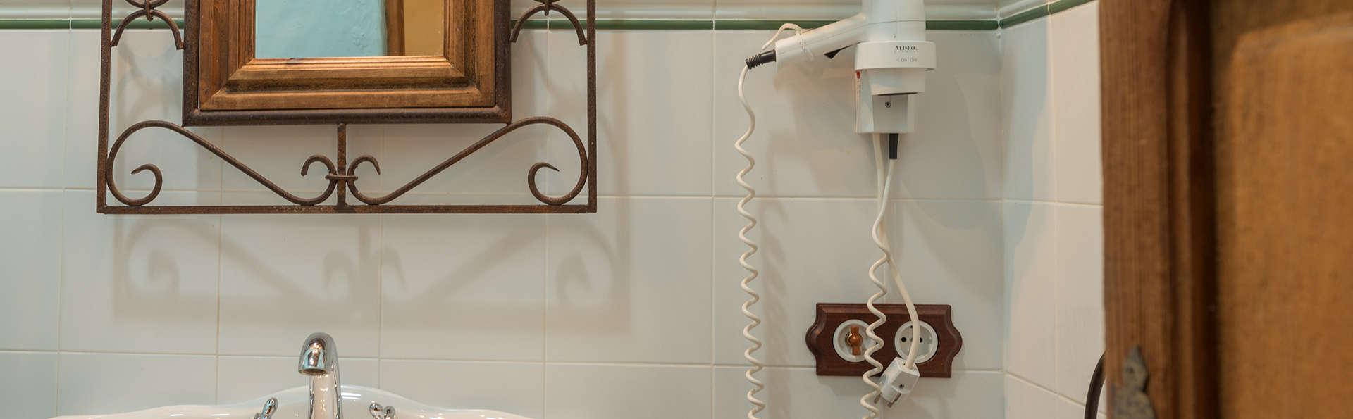 Cortijo Los Monteros - EDIT_bath.jpg