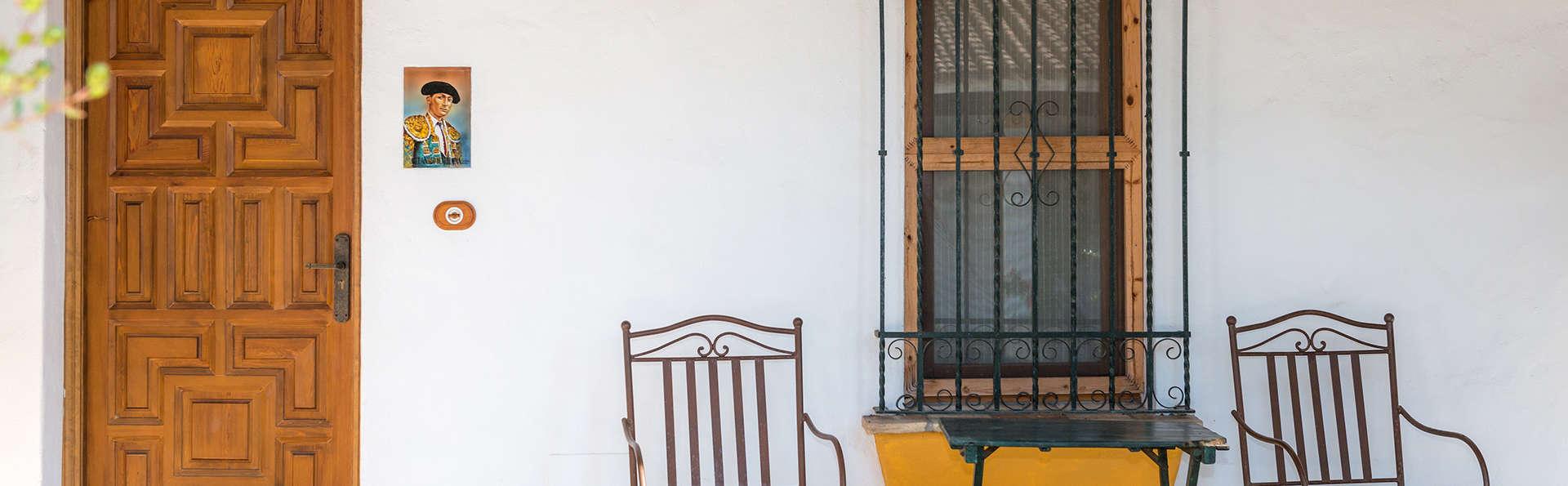 Cortijo Los Monteros - EDIT_exterior.jpg