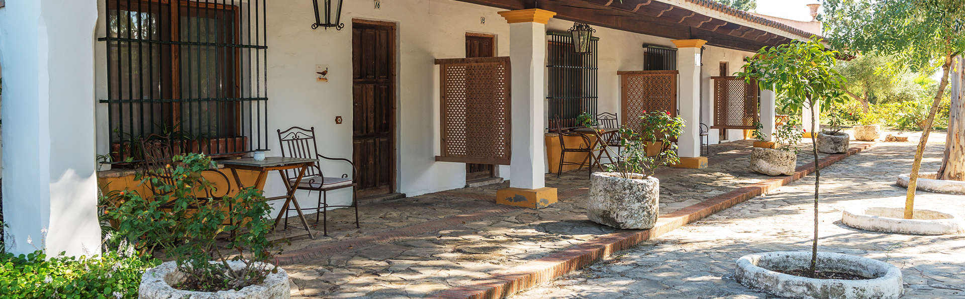 Escapada rural con encanto en un cortijo andaluz cerca los alcornocales en Cádiz