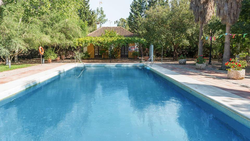 Cortijo Los Monteros - EDIT_pool.jpg