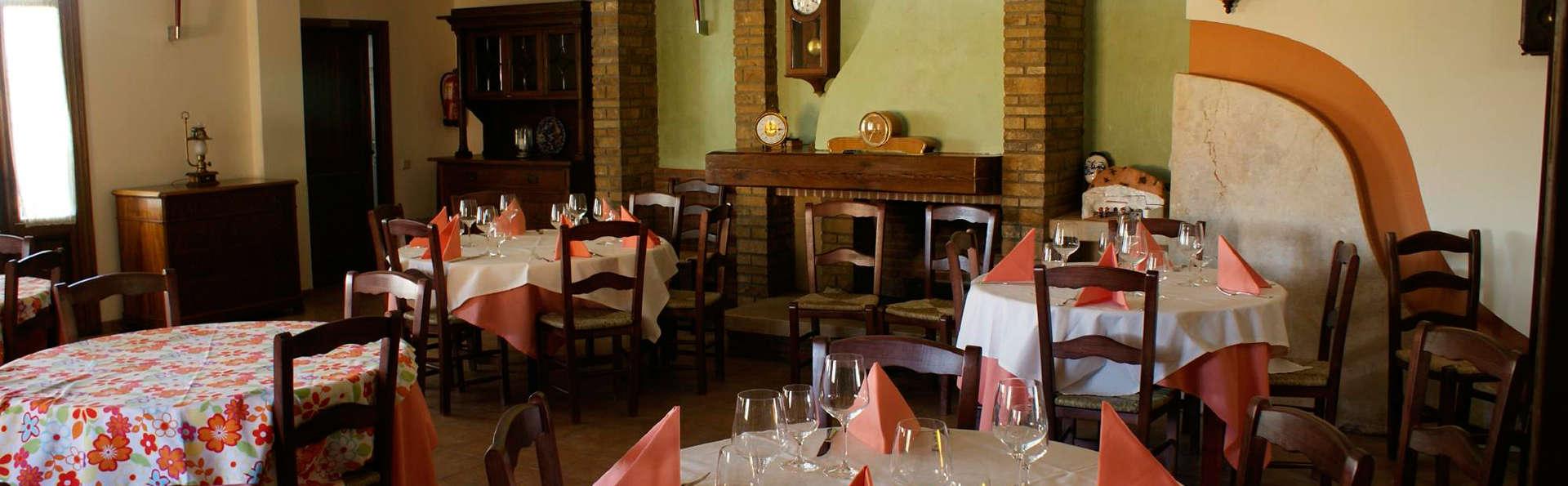 Cuevas la Granja-Francisco Rivera Navarro - EDIT_restaurant3.jpg