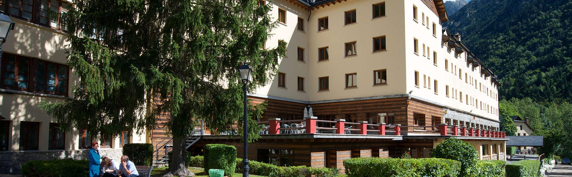 Balneario Caldes de Boí - Hotel Manantial - edit_front2.jpg