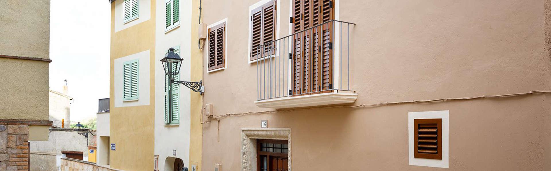 El Pilaret - EDIT_street1.jpg